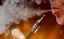Clinicians should recommend e-cigarettes to patients who smoke