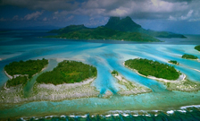 The islands and ocean of Bora Bore