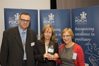 Dr Susan Pawlby and Dr Patricia Zunszain with Professor Peter Woodruff