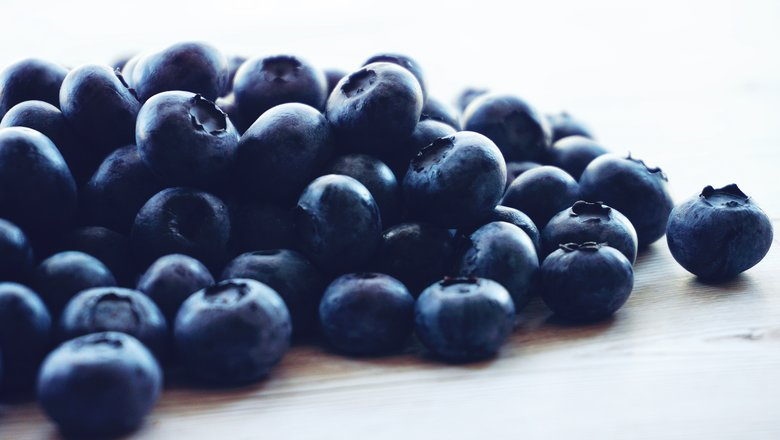 rsz_berries-blueberries-close-up-1366238