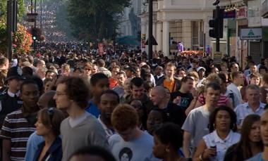 Image-Notting_Hill_Carnival_Crowd_-_August_2006
