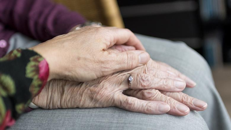 Elderly-hand-global-ageing