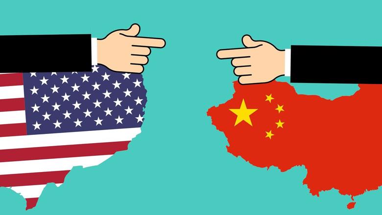 American and Chinese flags illustration