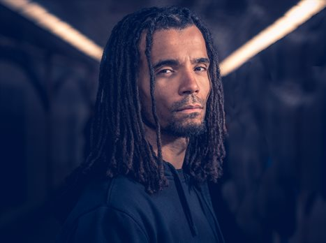 Akala press shot1-2018-Paul Husband Photog.BQ4A9245-Edit-2-2